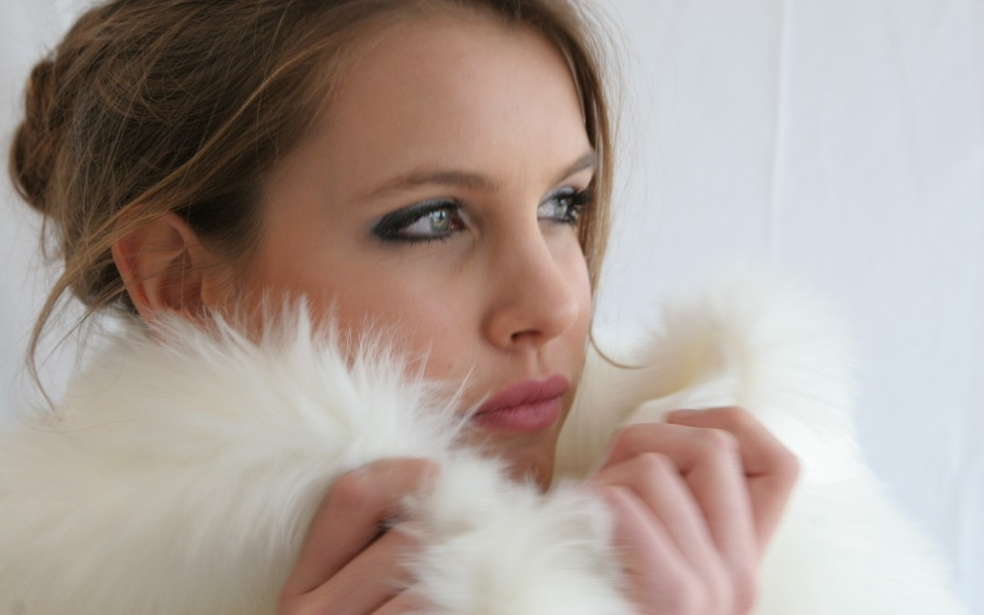 Be glamourous and keep warm with a vintage fur for your wedding!