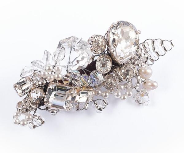 Crystal Garret Clip