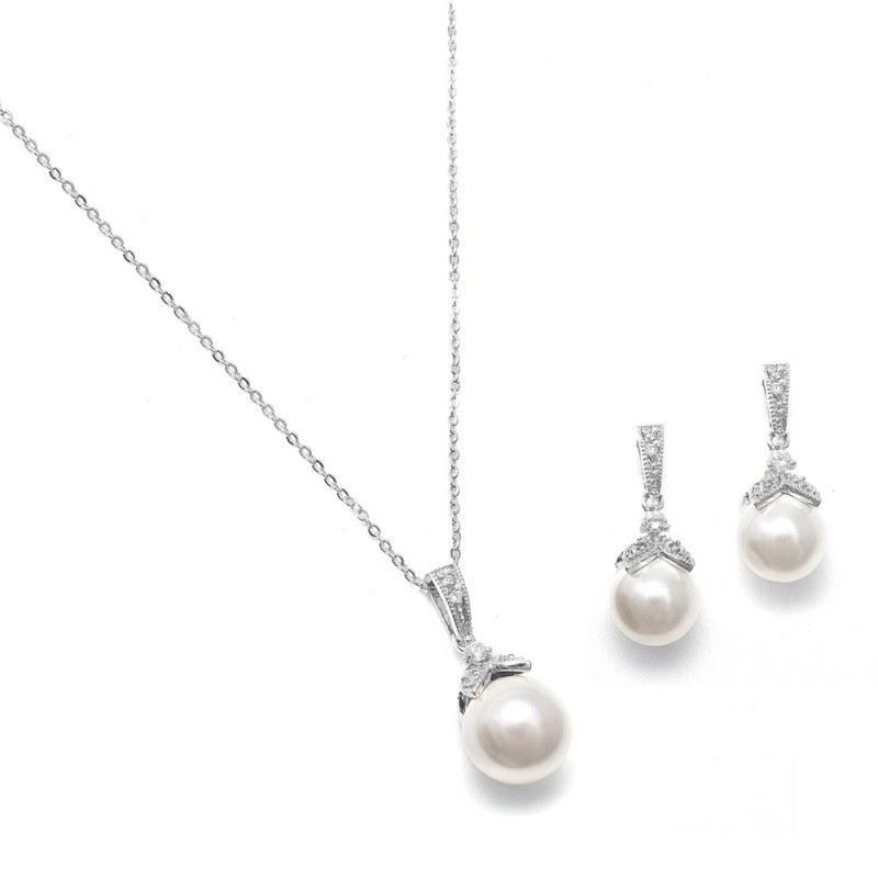 Anais Necklace and Earrings Set